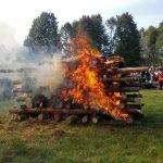 festyn archeologiczny, płonący stos pogrzebowy,